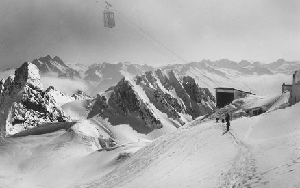 Opening of the Vallugabahn on 2811 m